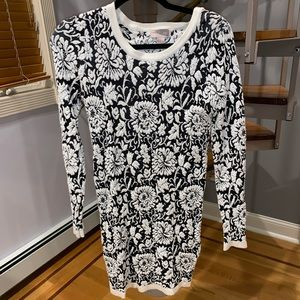 Forever21 sweater dress black white floral small
